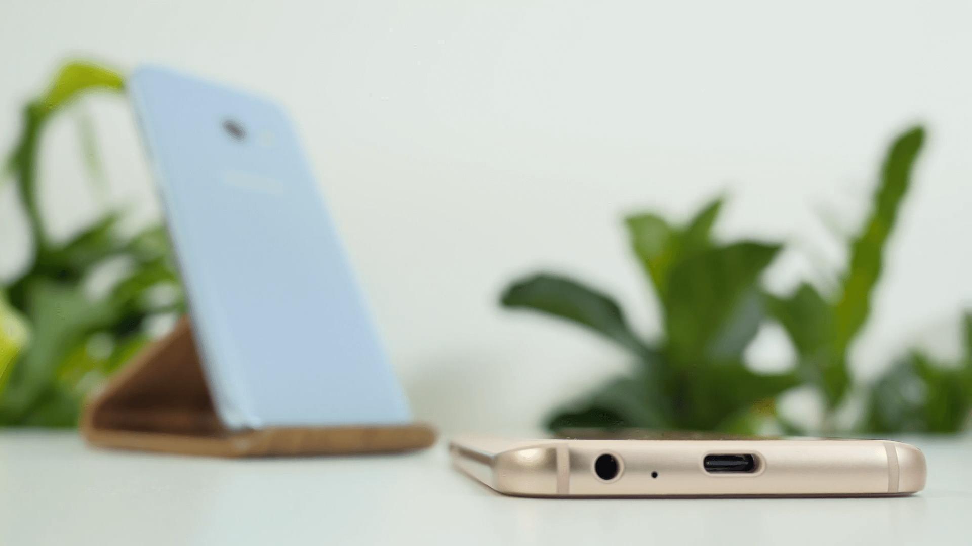 Телефон samsung galaxy A3, A5, A7 2017