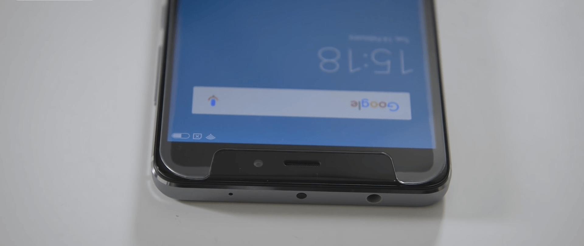 Универсальные защитные стекла для смартфонов